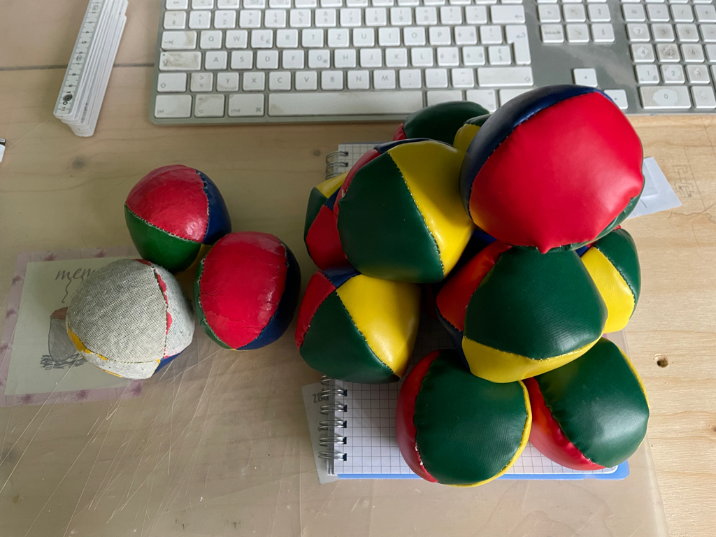 I finally found a suitable replacement for my old juggling balls. The only issue was that the smallest quantity available was a pack of 15 balls oO.
